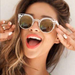 Quay Australia Stay Shady Fleur Sunglasses